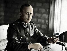 Divisioonan komentaja, kenraalimajuri, Mannerheim-ristin ritari Aarne Blick (1894-1964).