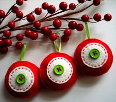 Hey, I found this really awesome Etsy listing at https://www.etsy.com/listing/258746568/small-christmas-tree-felt-ornaments-red