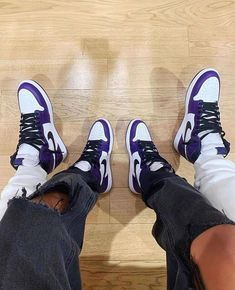 Matching Shoes For Couples, Matching Jordans, Jordan Shoes Girls, Girls Shoes, Jordan Couples, Nike Air Jordan, Jordan 1, Matching Couple Outfits, Nike Air Shoes