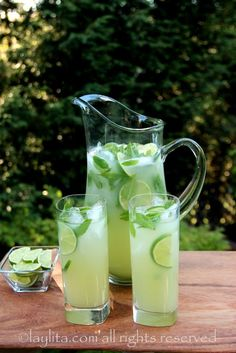 Vodka mint lemonade or limeade (can also be prepared without alcohol)