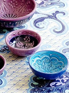 from Istanbul painted bowls. Iznik style from Turkey. I have a few of these, they are amazing! Iznik style from Turkey. I have a few of these, they are amazing! Ceramic Bowls, Ceramic Pottery, Ceramic Art, Stoneware, Pottery Bowls, Earthenware, Tables Tableaux, Cerámica Ideas, Purple Home