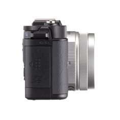 PENTAX Q IN BLACK world's smallest interchangeable lens camera