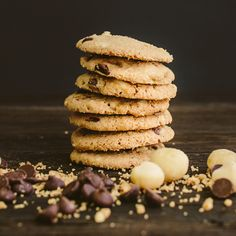 a match that's meant to be. we married organic dark chocolate chips with savory macadamia nuts and hints of sea salt in this delicately balanced, gluten-free cookie. it's love at first bite. organic • gluten-free • non-gmo • kosher