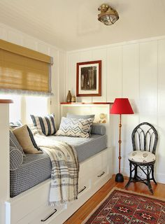 I always wanted a built in daybed like this. Cosy Built-In Daybed Style At Home, Patriotic Room, Built In Daybed, Coastal Bedrooms, Cozy Nook, Bed Nook, My New Room, Home Fashion, Small Spaces