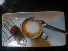 Uma tarde no Café do Paço, Curitiba, Paraná, Brasil.
