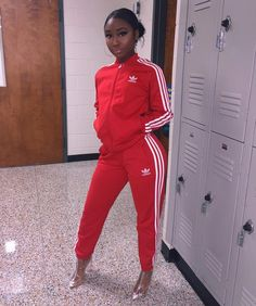 Red Adidas Outfit Gallery esyonce all red adidas track suit with clear plastic ankle Red Adidas Outfit. Here is Red Adidas Outfit Gallery for you. All Red Adidas, Red Adidas Pants, Adidas Hose, Look Adidas, Adidas Jacket, Adidas Outfit, Moda Men, Vetement Fashion, Moda Femenina