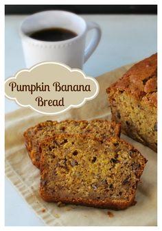 Easy make ahead Holiday Breakfast...Pumpkin Banana Bread.  Get RECIPE HERE : http://buttercream-bakehouse.com/2013/11/pumpkin-banana-bread.html