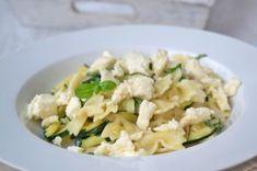 Zucchini Pfanne mit Nudeln Paprika Sauce, Zucchini Mozzarella, Pasta, Snacks, Potato Salad, Potatoes, Ethnic Recipes, Food, Noodles
