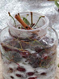 Vişne likörü Tarifi - İçecekler Yemekleri - Yemek Tarifleri