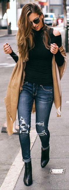 H&M top / Forever 21 scarf / AEO jeans / Vince Camuto booties / She + Lo bag (Diy Ropa Fashion Models, Look Fashion, Fashion Outfits, Fall Fashion, Woman Fashion, Fashion Styles, Fashion Clothes, Fashion Trends, Fall Winter Outfits