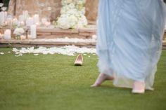 Cinderella Themed Engagement: Cinderella and her lost slipper Planner -  @slicpins  - Wedding Photographer - @ryananddenise2 #youreventflorist #engagement