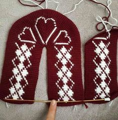 Searches related to female booties models female booties models and constructions . Baby Knitting Patterns, Crochet Dolls Free Patterns, Crochet Slipper Pattern, Crochet Slippers, Tunisian Crochet, Knit Crochet, Crochet Baby Sandals, Knitted Booties, Knitting Socks