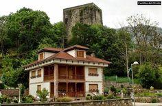 El Torreón del Condado está situada en la localidad del mismo nombre, el cual constituye uno de los pocos ejemplos de arquitectura militar que se conservan en Asturias. ubicado en el concejo de Laviana, Principado de Asturias, (España). Mas información: http://castillosdelolvido.es/torreon-del-condado/