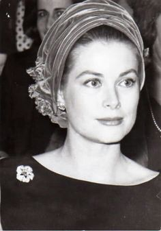 "heavyarethecrowns: "" Favourite Royal Hats spam "" Princess Grace of Monaco Kelly Monaco, Timeless Beauty, Classic Beauty, Princesa Grace Kelly, Caroline Reboux, Camille Gottlieb, Grace Kelly Style, Patricia Kelly, Princesa Carolina"