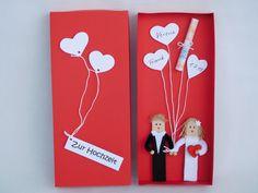 Verliebt, verlobt, verheiratet... In dieser Box sind ein paar ganz besondere Luftballons fürs Brautpaar versteckt. Ob für die Flitterwochen, oder den Hausstand... Ein frisch getrautes Paar freut...