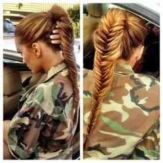 Kicki Makeupartist - Fiskbensfläta – love it! Fishtail Ponytail, Fishtail Braid Hairstyles, My Hairstyle, Pretty Hairstyles, Girl Hairstyles, Braided Updo, Hairstyle Ideas, Full Ponytail, Plait Hair