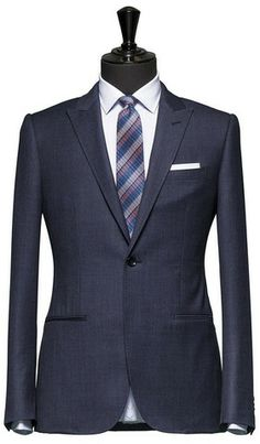 One button peak lapel jetted pocket suit