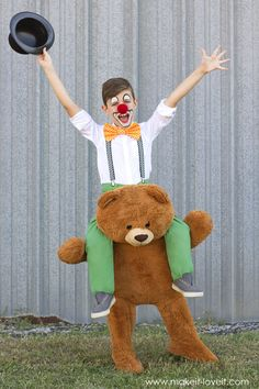 Circus Clown and Bear Piggyback Costume | via www.makeit-loveit.com