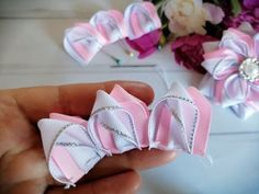 Bow Design, Bow Tutorial, Ribbon Crafts, Baby Bows, How To Make Bows, Fabric Flowers, Headbands, Sewing Projects, Crafty