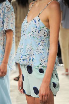 .Spring 2015 .Love this pretty top