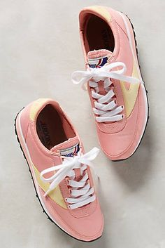 Brooks Decade Vintage Sneakers