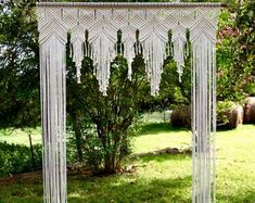 Macrame Wedding Arch - x Natural White Cotton Rope on Wooden Dowel - Wedding Backdrop, Headboard, Curtain - Boho Decor Large Macrame Wall Hanging, Macrame Plant Hangers, Tapestry Wall Hanging, Tips And Tricks, Macrame Curtain, Macrame Projects, Macrame Patterns, Fiber Art, Creations