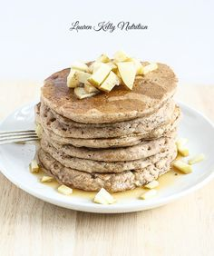 These Apple Cinnamon Pancakes are vegan, made with whole grains and no refined sugar and they are dairy-free! Everyone LOVES these! Low Sugar Recipes, No Sugar Foods, Dairy Free Recipes, Real Food Recipes, Yummy Food, Delicious Recipes, Tasty, Healthy Recipes, Savory Breakfast
