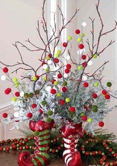 Khéo léo kết hợp trang trí những cành cây khô trong nhà sẽ mang tới  cảm giác ấm cúng và mới lạ.