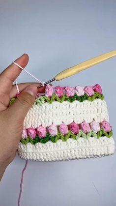 Crochet Cord, Crochet Lace Edging, Crochet Flower Tutorial, Crochet Square Patterns, Crochet Blanket Patterns, Diy Crochet, Crochet Designs, Crochet Crafts, Crochet Flowers