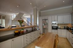Lovely well quipped kitchens can be found at our serviced self catering Villas and Apartments in Cape Town!