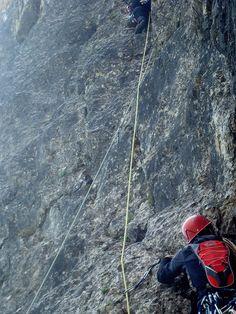 La via Soldà (D V-) è una classica del Monte Baffelan (1797 m). Aperta nel 1928 dai fratelli Soldà segue un logico itinerario lungo lo spigolo NE.