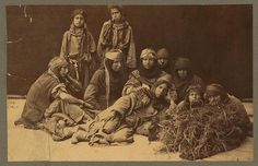 Group of Bedouin Woman- Palestine 1880 Palestine History, Israel Palestine, Jewish History, Dome Of The Rock, Jordan Travel, Historical Women, Arab Women, Photo Story, Central Asia
