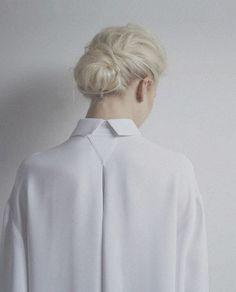 Beauty in Simplicity // Sam Ypma forAngélique Chmielewski SS. (Via Coupe de Foudre) #fashion #minimalism