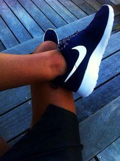 a67dfe373c49 Nike Unisex Roshe Run Παπούτσια Nike Για Τρέξιμο