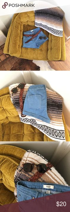High waisted Jean shorts Sz 26 High waisted stretch denim shorts, cool 70's blue wash Forever 21 Shorts Jean Shorts
