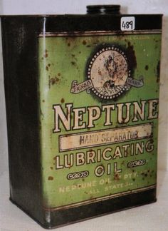 An old Neptune service station motor oil can Vintage Oil Cans, Vintage Metal Signs, Vintage Tins, Old Gas Pumps, Vintage Gas Pumps, Advertising Signs, Vintage Advertisements, Soda Machines, Old Gas Stations