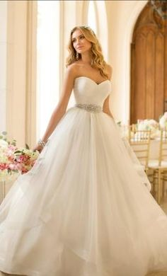 Stella York wedding dresses stocked by Fross Wedding Collections. View our bridal boutique's range of Stella York bridal gowns. Wedding Dresses 2014, Princess Wedding Dresses, Elegant Wedding Dress, Dress Wedding, Tulle Wedding, Ivory Wedding, Wedding Dresses With Bling, Dresses 2016, Dresses Dresses
