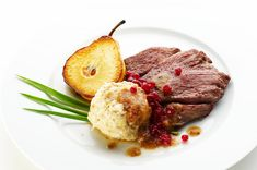 Want a taste of Koroška? Try the local venison steak, that will spoil your taste buds with its incredibly tender meat and is the perfect dish to replenish your strenghts. Venison Steak, Tender Meat, Types Of Bread, Rye Bread, Buckwheat, Potato Soup, Taste Buds, Roast, Dishes