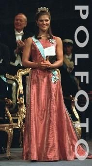 Crown Princess Victoria wore the 4-Button Tiara for the 2000 Nobel Prize Ceremony and Dinner.
