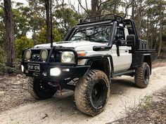 The Most Popular Toyota SUV Off-Road Projects White Lifted Toyota Land Cruiser with custom off-road add-ons. Toyota Autos, Toyota 4x4, Toyota Trucks, Toyota Hilux, 4x4 Trucks, Toyota Vehicles, Tacoma Toyota, Kenworth Trucks, Ford Trucks