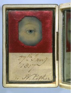 Eye Miniature in an Ivory Case with a Mirrored Lid c.1817. © Victoria and Albert Museum, London.