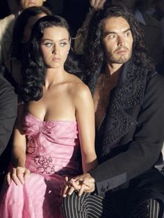Google Image Result for http://www.wzip88.com/wp-content/uploads/2012/02/katy_perry_russell_brand_married1.jpg