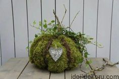 Mooskugel - All For Garden Nature Decor, Nature Crafts, Fall Crafts, Deco Floral, Arte Floral, Thanksgiving Decorations, Christmas Decorations, Fall Projects, Happy Fall Y'all