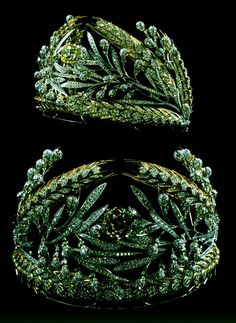 "Imperial Jewels of the Diamond Fund of Russia. DIADEM, ""RUSSIAN FIELD"" DESIGNED BY VIKTOR NIKOLAEV, GENNADY ALEKSAKIN, MOSCOW 1980"