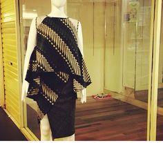 Top Blouse Batik, Batik Dress, African Wear, African Fashion, Traditional Fashion, Traditional Dresses, Mode Batik, Model Kebaya, Batik Kebaya