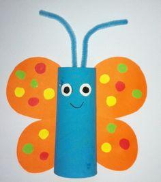 Schmetterling aus Toilettenpapierrolle mit Kindern basteln