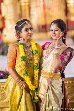 Bride Poses, Wedding Poses, Wedding Photoshoot, Indian Wedding Couple Photography, Bride Photography, Wedding Saree Collection, Kerala Bride, Before Wedding, Bridal Shoot