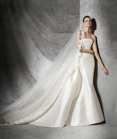 Sleeveless Strapless Chapel Train Satin Trumpet Mermaid Wedding Dress Apr0217