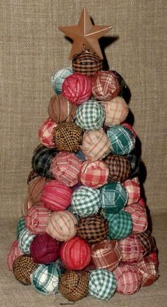 Cute MED. PRIM COUNTRY FABRIC RAG BALL CHRISTMAS TREE w/ RUSTY FINISH TIN STAR