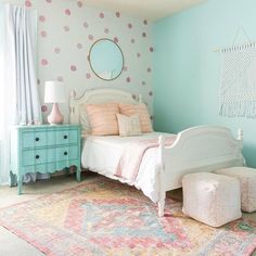 The Best in Girl's Bedroom Design and Decor Inspiration! Blue Girls Rooms, Girls Room Paint, Big Girl Bedrooms, Little Girl Rooms, Tween Girls Bedroom Ideas, Girls Bedroom Colors, Mint Girls Room, Girls Bedroom Wallpaper, Girl Bedroom Paint